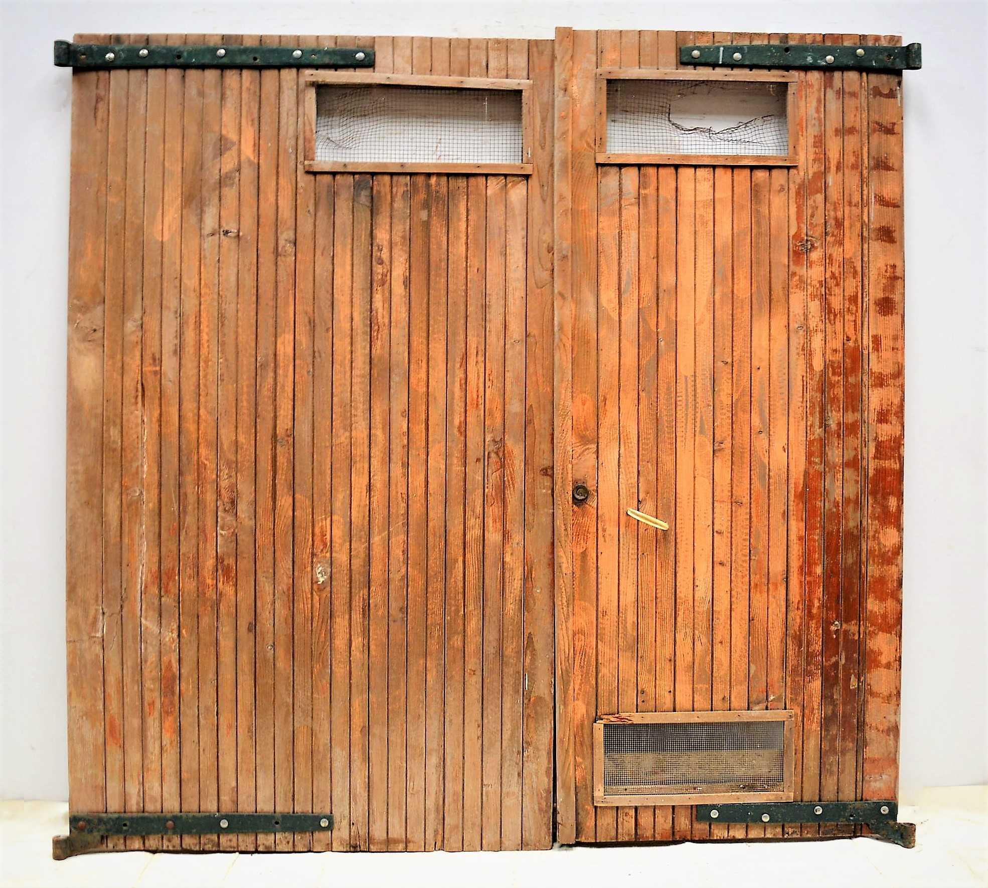 Segunda mano puertas de madera good puertas de entrada de for Puertas de madera exterior de segunda mano